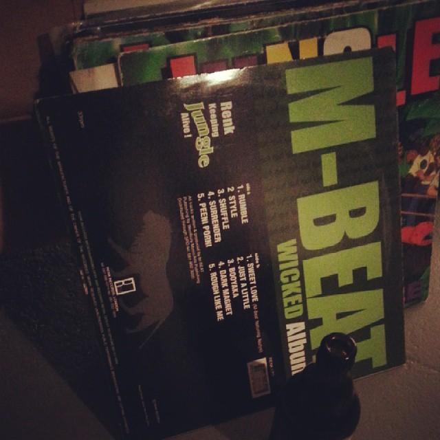 I think, I will maybe spin a few vinyl-tracks tonight. #riddimbox