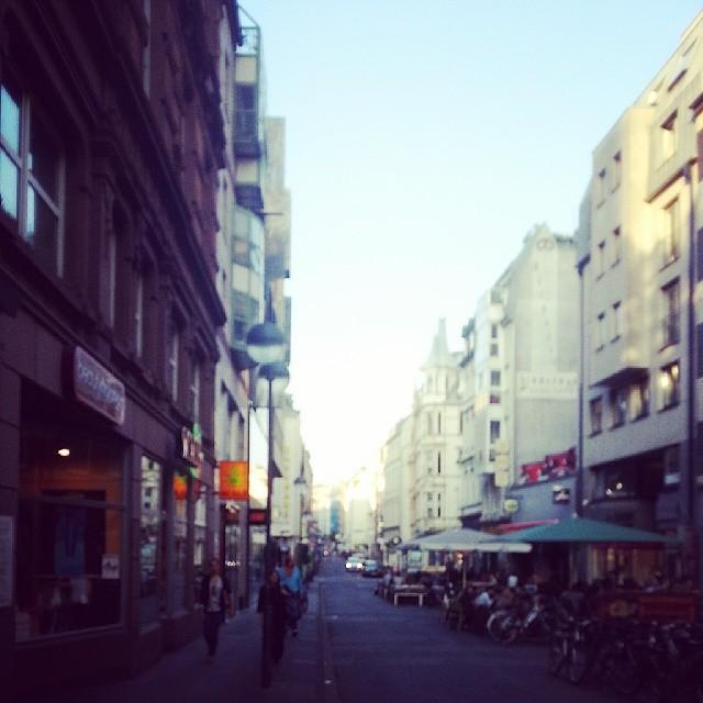 Ehrenstraße.