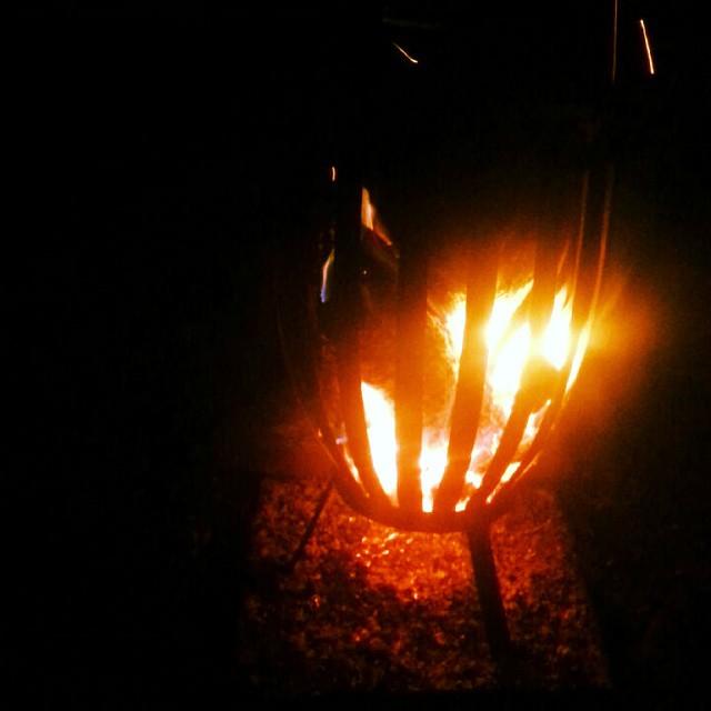 Fire pon di outback.